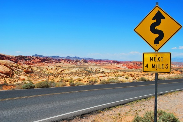 road-sign-1210038_960_720