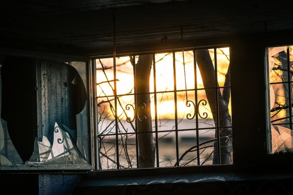 window-1861888_960_720