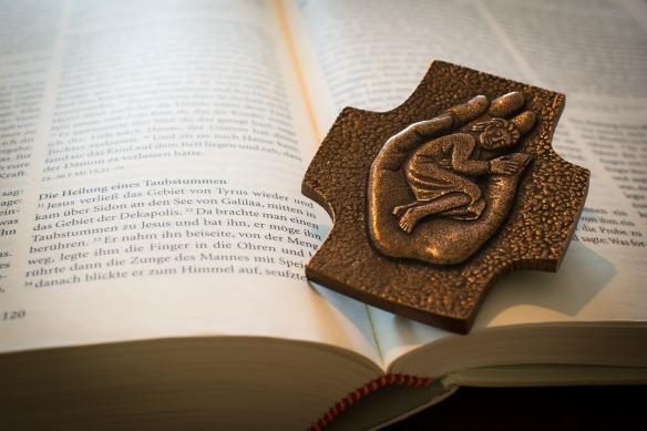 bible-1058296_1280