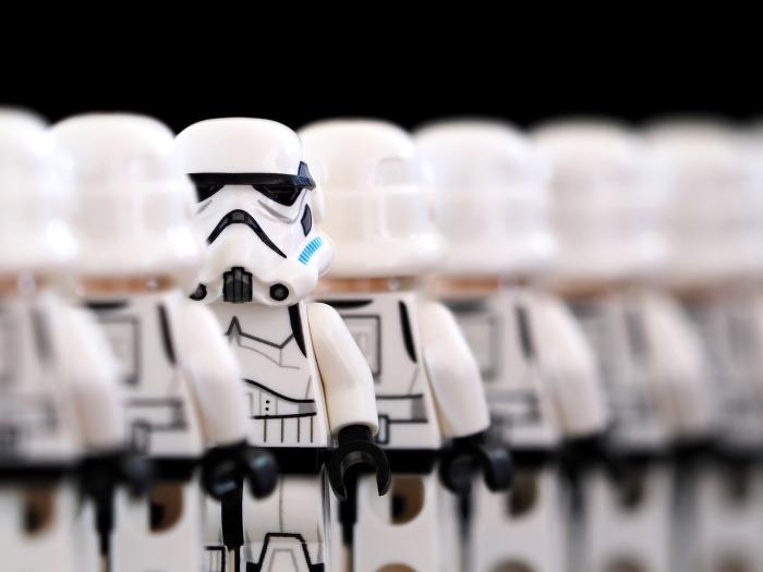 stormtrooper-2899982_1280